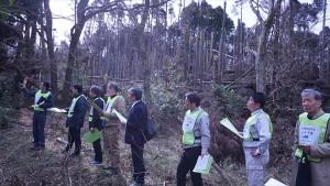 君津市内で倒木の状況について説明を受けた