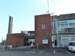 経年劣化により解体する岬庁舎