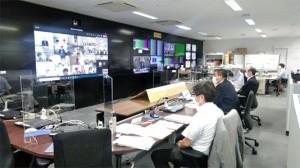 東北支部の演習の様子。WEB会議のほかスマートフォンなども使って連絡体制を確認した